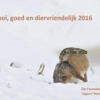 haas in de sneeuw als nieuwjaarswens van de faunabescherming
